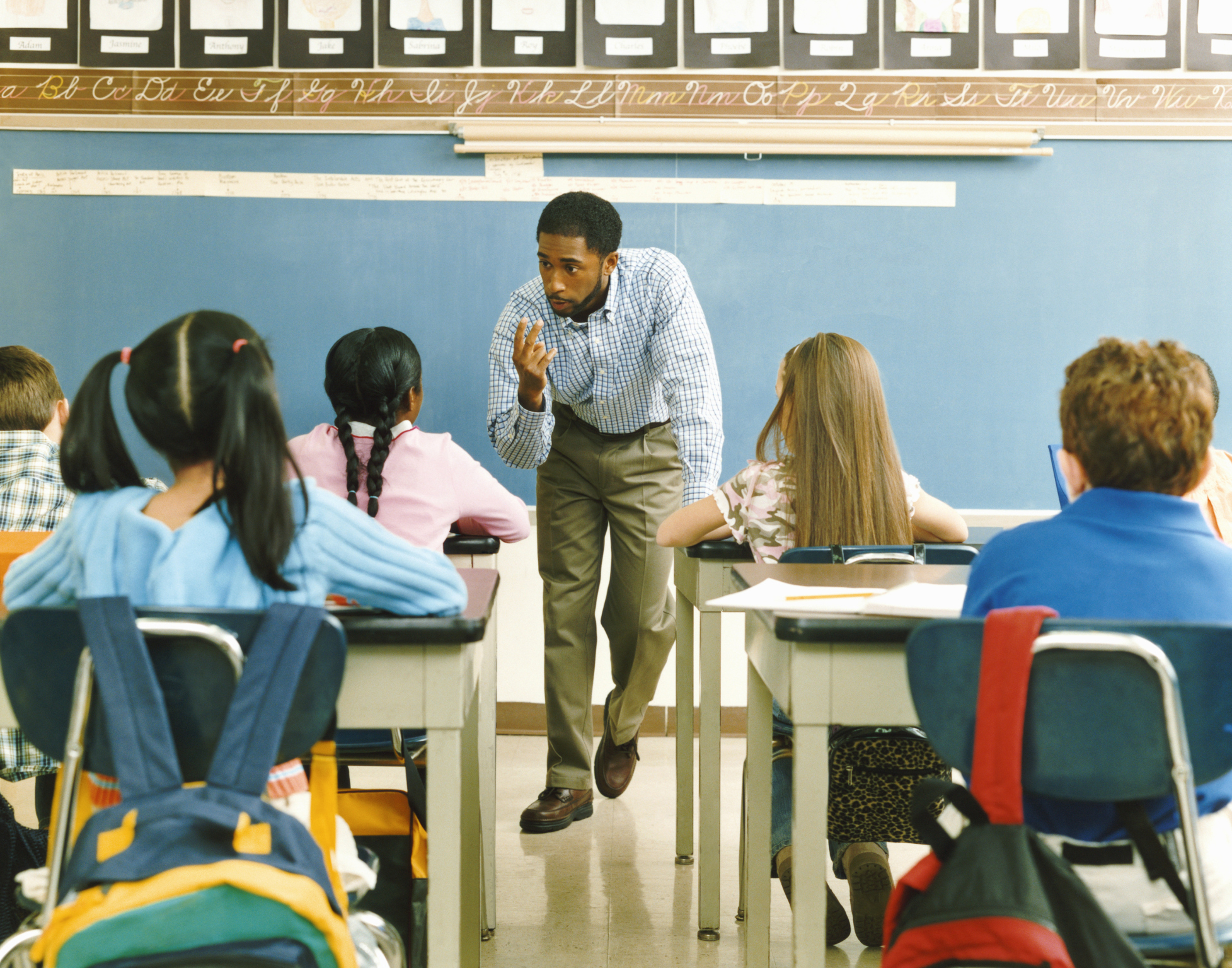 Male African-American Teacher Instructing Students | Teaching Tolerance