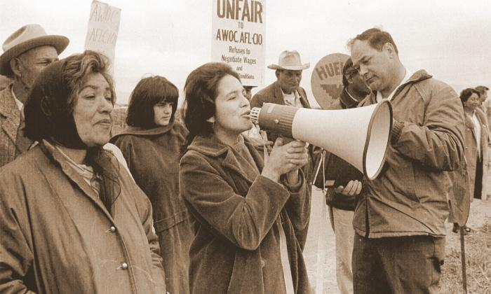 Dolores Huerta speaks to striking farmworkers.